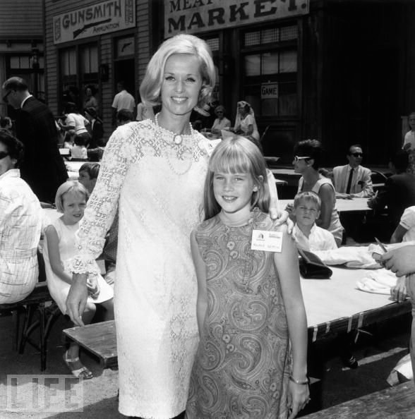 Tippy Hedren and Melanie Griffith